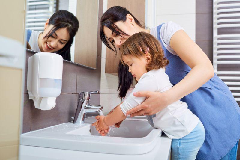 Cuci tangan dan kaki sebelum tidur