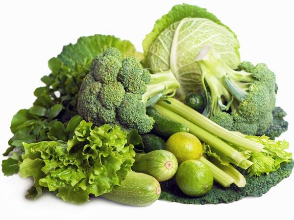 Mengkonsumsi sayuran hijau